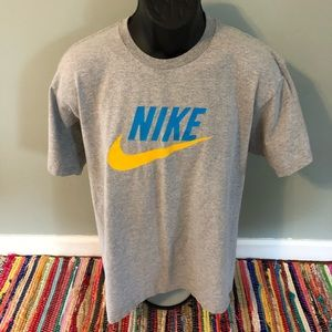 Nike Swoosh Gym Tee Shirt Gray Large